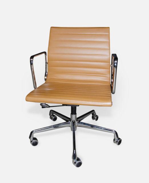 Bürostuhl EA 117, Aluminium Group, Charles + Ray Eames, Vitra