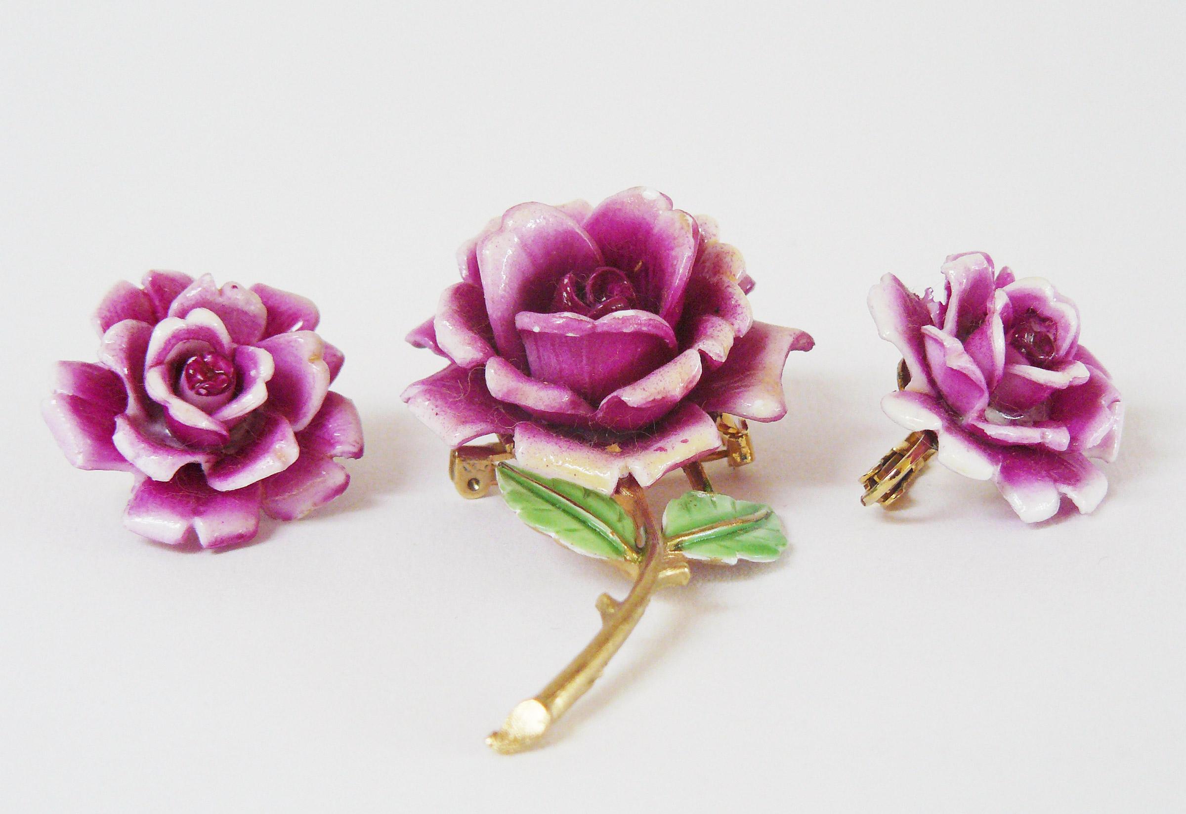 Rosen, Brosche und Ohrringe, USA
