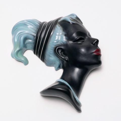 Wandmaske, dunkelhäutiger Frauenkopf, Albert Strunz für Cortendorf